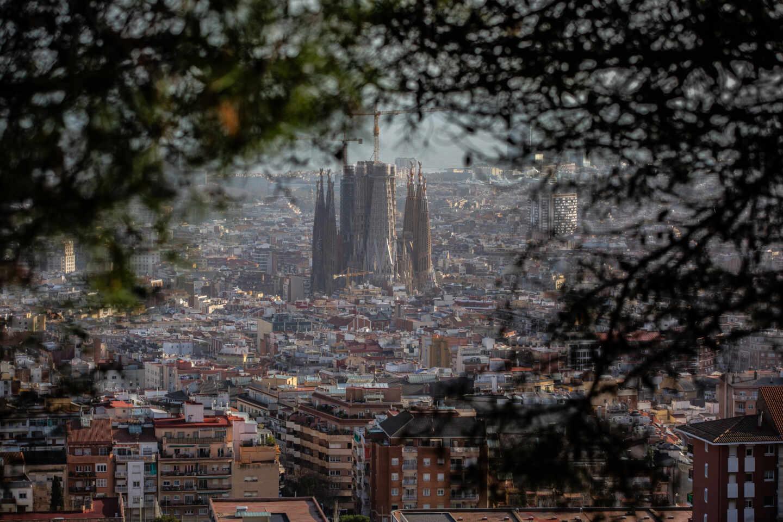 Imagen panorámica de Barcelona, en el centro se ve la Sagrada Familia.