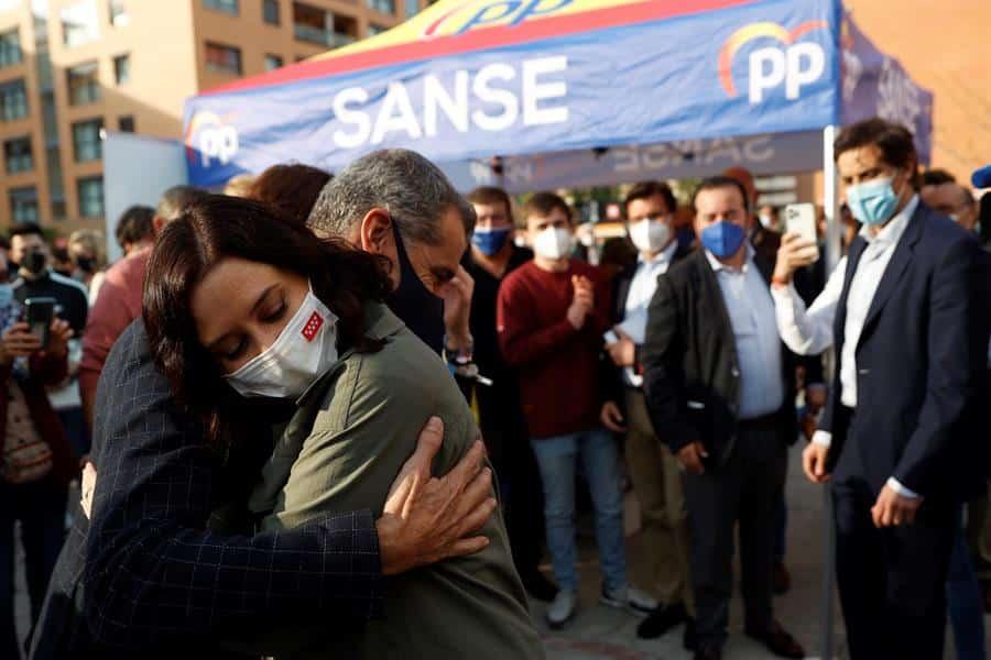 La presidenta de la Comunidad de Madrid, Isabel Díaz Ayuso; y el ex dirigente de Ciudadanos, Toni Cantó.
