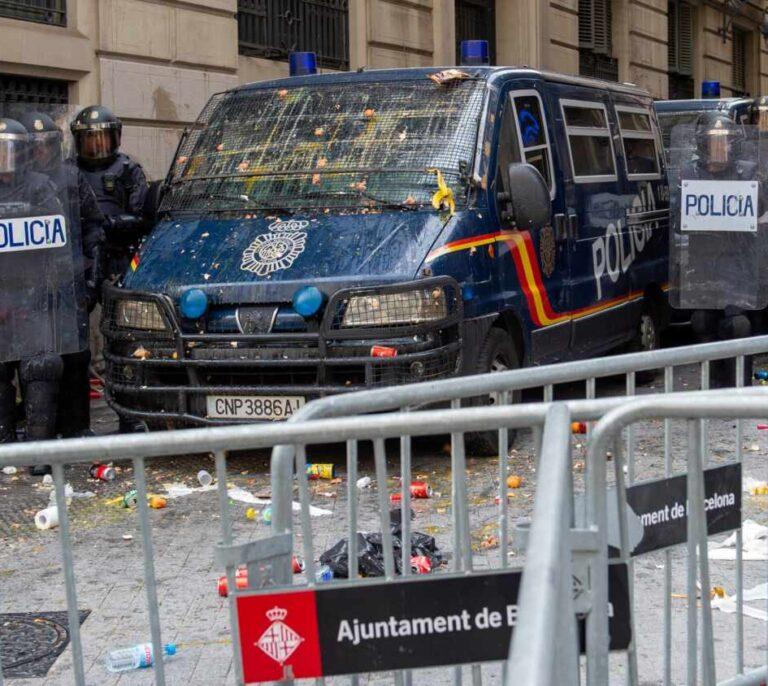 Relevo en el mando de los antidisturbios: 'Marte' se va a la Embajada en Moscú