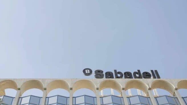 Sede del banco Sabadell en Alicante, Comunidad Valenciana.
