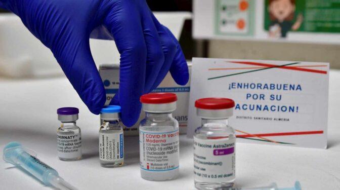 """Moderna cree que """"probablemente"""" será necesaria una tercera dosis antes del invierno por la variante Delta"""