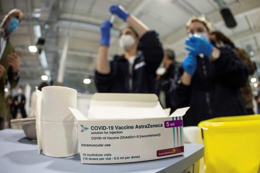 Administración de vacunas en el Hospital Enfermera Isabel Zendal.
