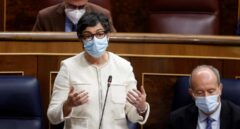 Laya culpa a Ayuso de que el Reino Unido no vea a España como destino seguro