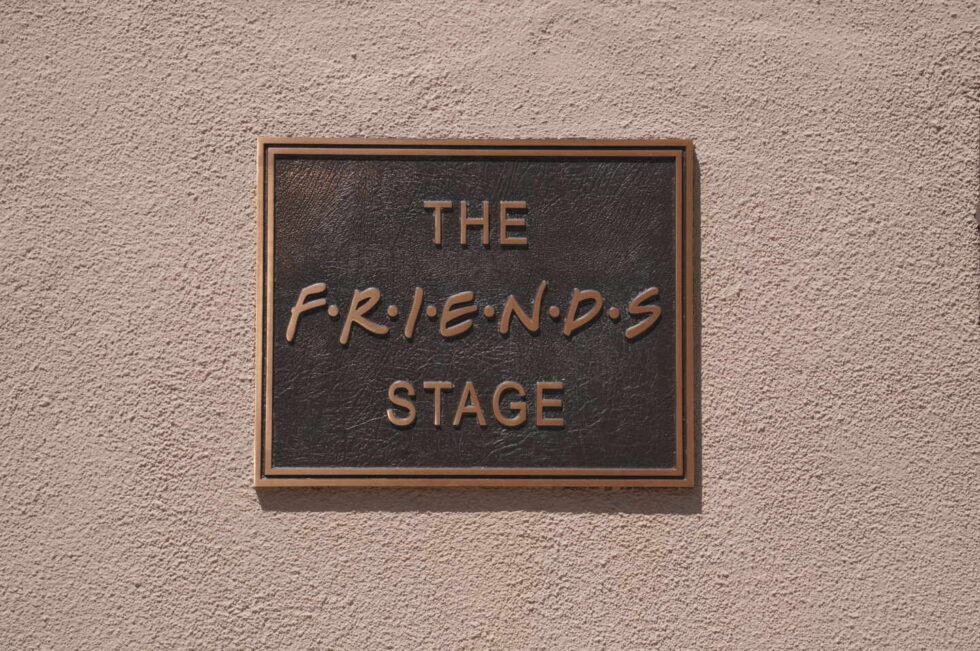 Cartel de Friends Stage