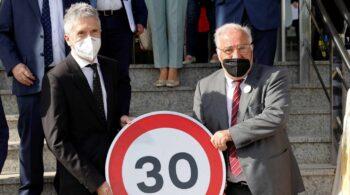 """Marlaska apuesta por las calles como """"foro público"""" con los límites de velocidad a 30 km/h"""