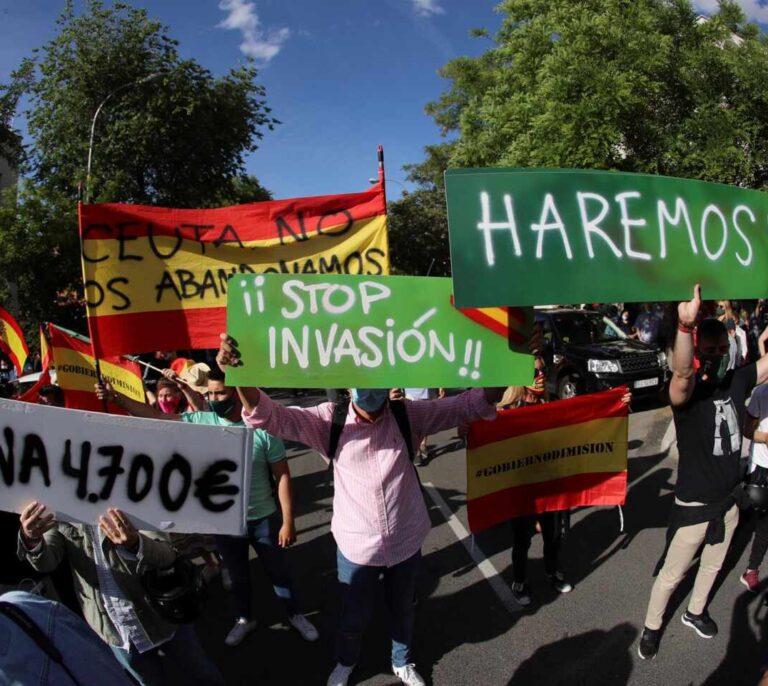 """Más de dos centenares de personas protestan en Madrid contra la """"invasión"""" marroquí"""