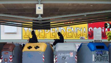 Estudiantes bloquean los accesos a la Autónoma de Barcelona e impiden las clases presenciales