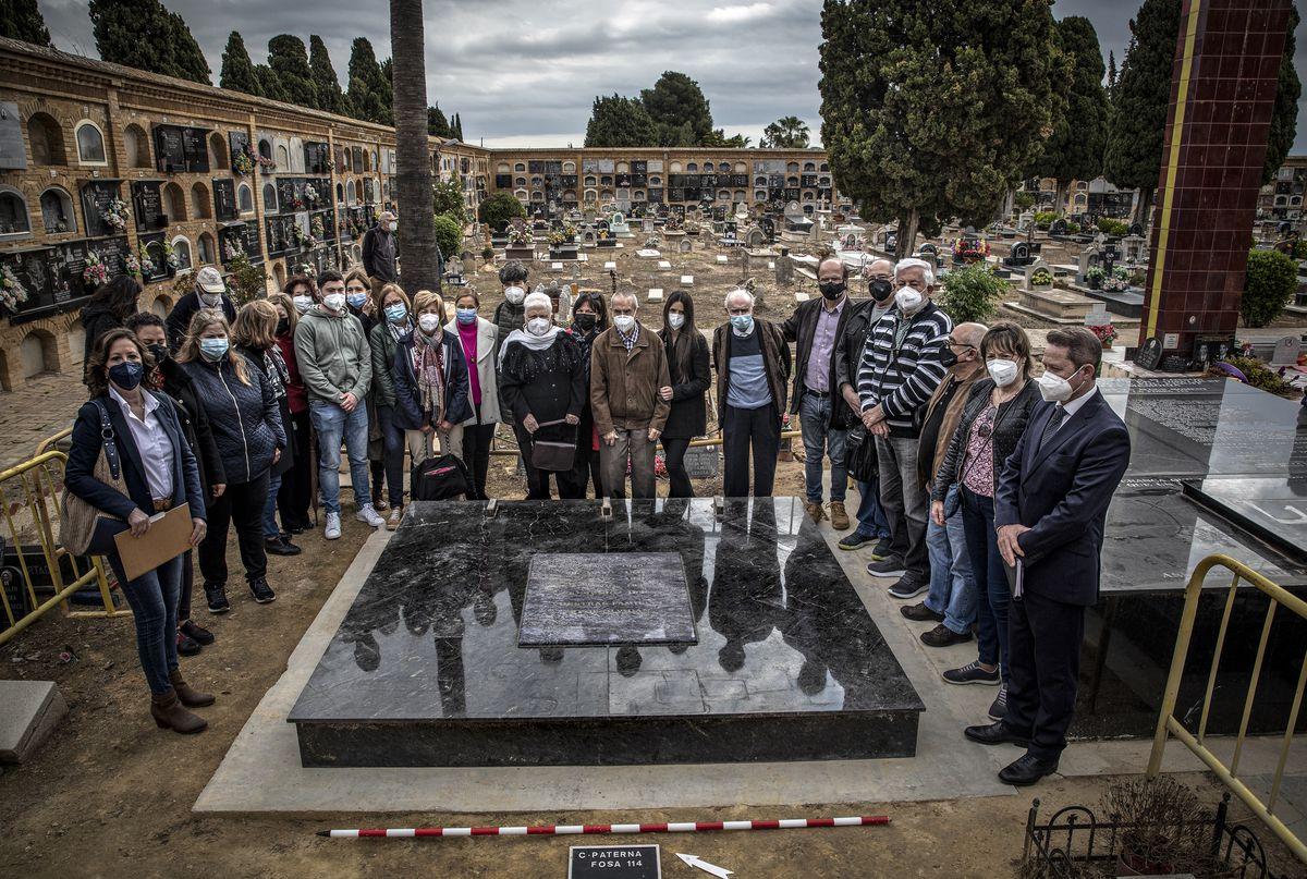 Fosa 114: donde periodistas, escritores o alcaldes hallaron la muerte víctimas del franquismo