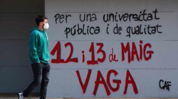 Amanecen bloqueados y con pintadas los accesos a la mayoría de las universidades catalanas