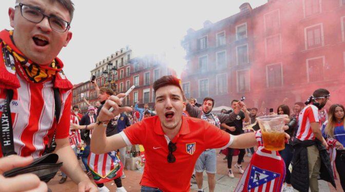 Concentración de seguidores del Atlético de Madrid en Valladolid