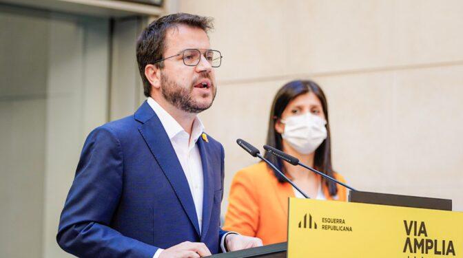 Guerra en Twitter: la tregua entre ERC y JxCat no llega a las redes