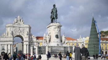 Golpe al turismo: Reino Unido incluye a Portugal pero no a España en la 'lista verde' para viajar al extranjero