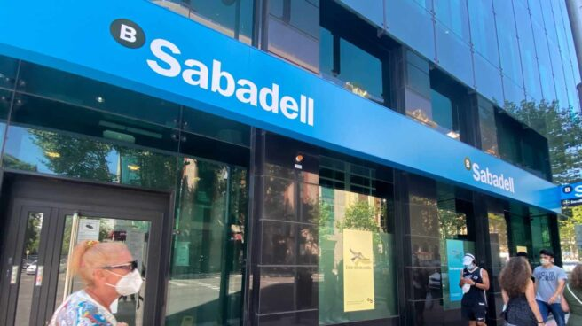 Una oficina del Banco Sabadell en Madrid (España)