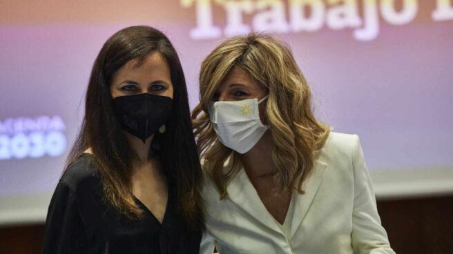 La ministra de Derechos Sociales y Agenda 2030, Ione Belarra, y la vicepresidenta tercera y ministra de Trabajo y Economía social, Yolanda Díaz.