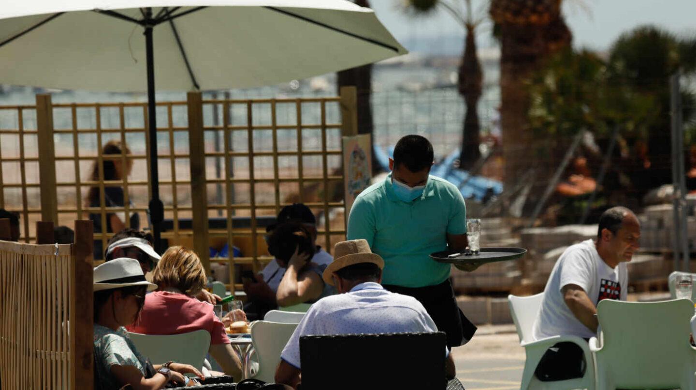 El turismo prevé alcanzar ya el 60% del nivel que tenía en el verano de 2019