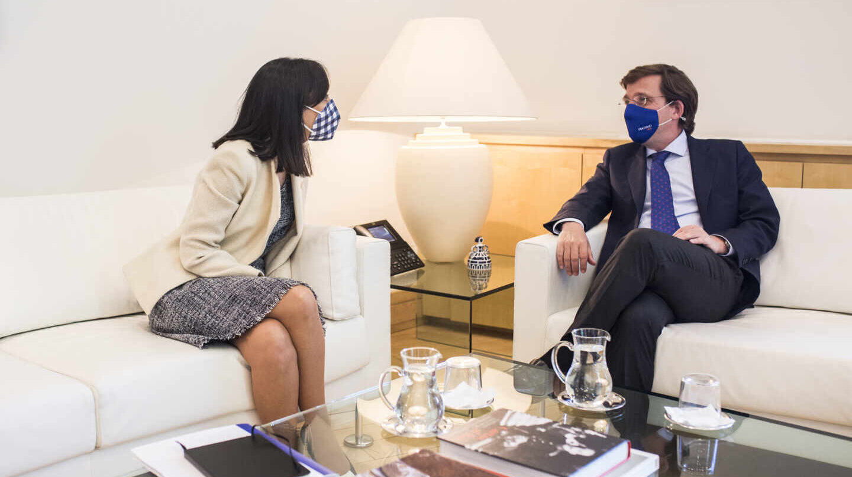 """Así ha sido la discusión entre la delegada del Gobierno y Almeida: """"Se acabó la cordialidad"""""""