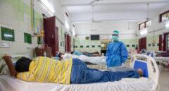 Un enfermo de Covid en el hospital de Bathalapalli de la Fundación Vicente Ferrer.