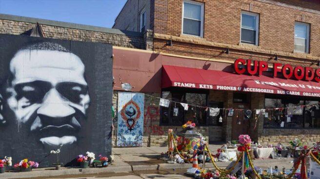 Escena donde tuvo lugar el asesinato de George Floyd en Minneapolis