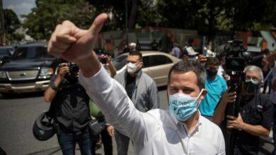 Guaidó ofrece diálogo al chavismo para celebrar elecciones y Maduro se mofa