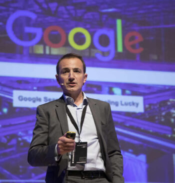 Alberto Céniz, Sales Manager Enterprise, Google Cloud at Google presentando en el Segundo Congreso Internacional de Inteligencia Artificial 2019