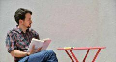 Pablo Iglesias se corta la coleta y cambia de imagen.