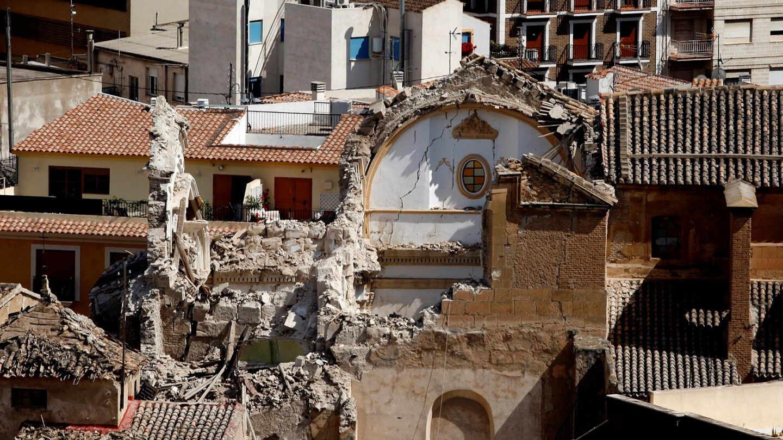 Imagen de la Iglesia de Santiago de Lorca, el 14 de mayo de 2011, tras el terremoto