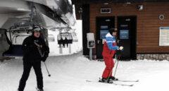 Lukashenko y Putin esquiando