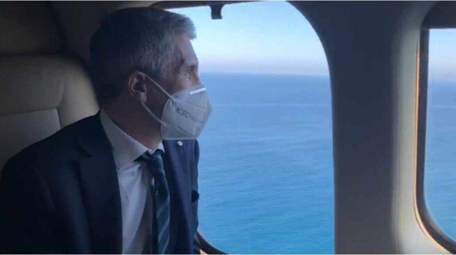 Marlaska y Sánchez sobrevuelan ceuta en helicóptero