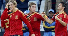 Fernando Torres, Sergio Ramos y David Villa, en un partido de la Copa Confederaciones 2009