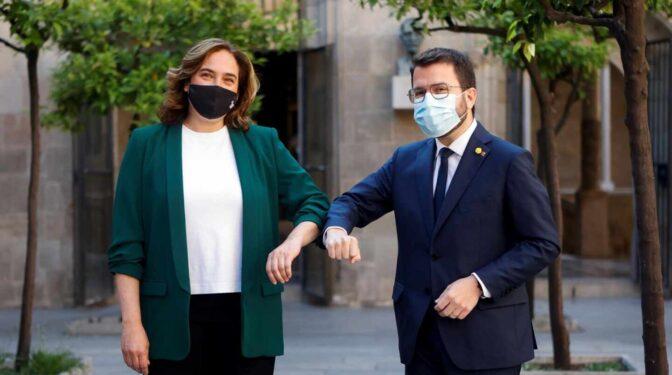 """Colau y Aragonès exhiben complicidad y se prometen """"colaboración de máximos"""""""