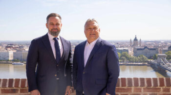 Abascal se reúne con Orban en Budapest y alaba las políticas de natalidad de Hungría