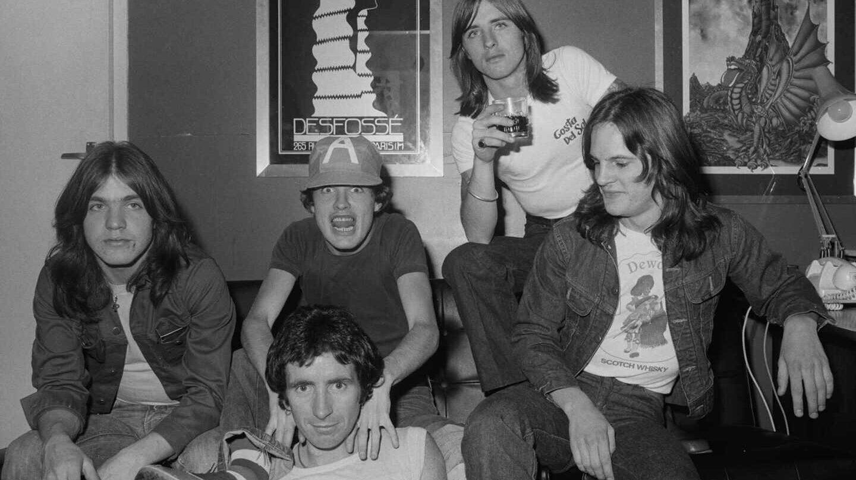 AC/DC en su primer viaje fuera de Australia