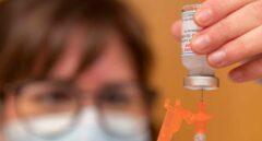 Nuevo récord diario: España administra 573.014 dosis en las últimas 24 horas