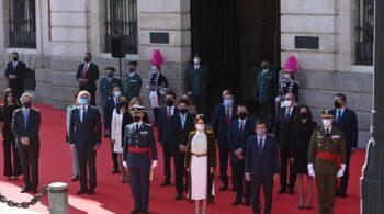 Madrid rinde homenaje a héroes del 2 de Mayo en la Puerta del Sol con todos candidatos del 4M salvo Iglesias