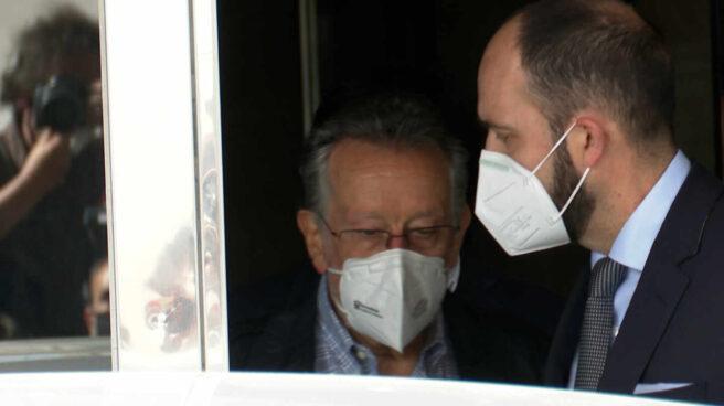 El exvicealcalde Alfonso Grau sale detenido de su casa