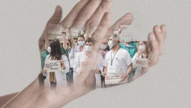Sanitarios, de los aplausos a los recortes