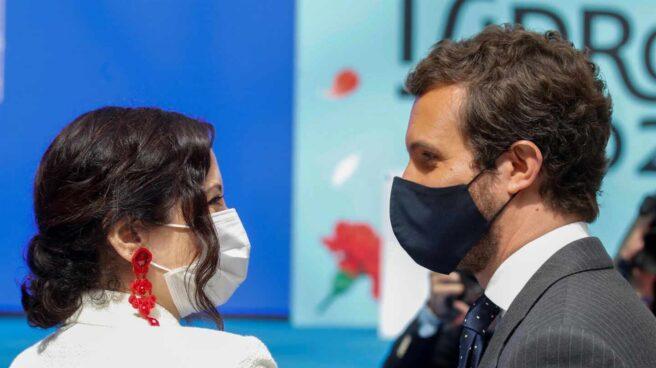 Isabel Díaz Ayuso y Pablo Casado, en las celebraciones de San Isidro.