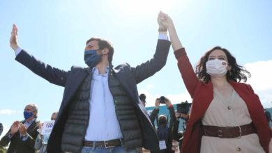 Génova cree que la ofensiva de Moncloa contra Ayuso sólo fortalece al PP