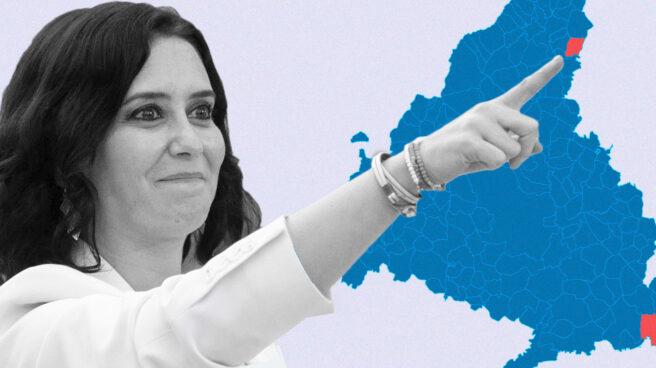 Isabel Díaz Ayuso señalando el mapa coloreado de los resultados de las elecciones del 4 de mayo