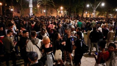 Desalojan a 6.500 personas en Barcelona en la primera noche sin estado de alarma