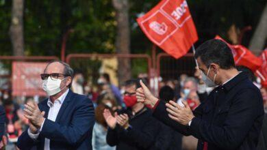Sánchez cierra la campaña del PSOE comparando a Gabilondo con Biden y azuzando el miedo a Vox
