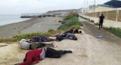 Así está actuando el Ejército en la playa del Tarajal de Ceuta para controlar la llegada de inmigrantes