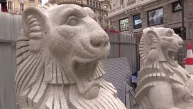Dos leones de granito de 2.000 kilos coronarán el nuevo templete de la estación de Metro de Gran Vía