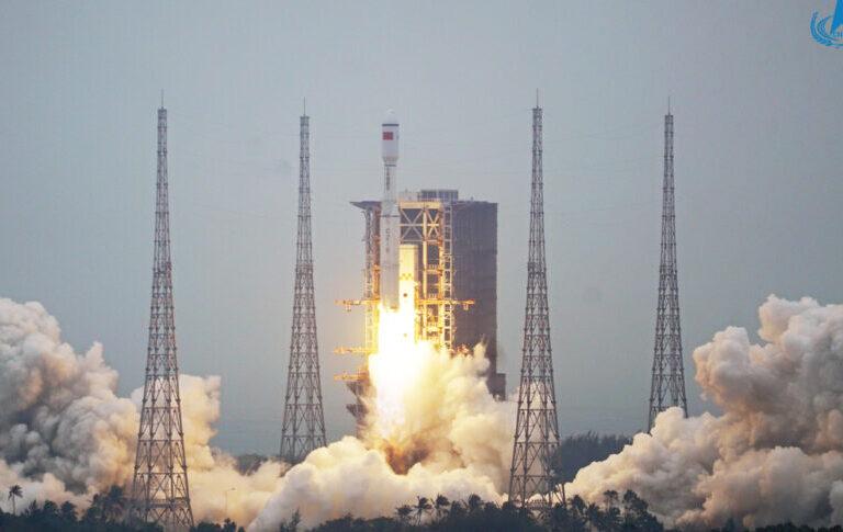 La UE ve poco probable que el cohete chino caiga en zonas pobladas de la Tierra