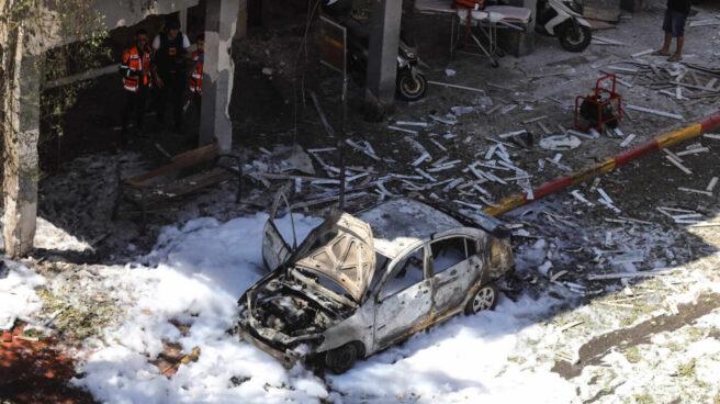 Destrozos en Ramat Gan, ciudad próxima a Israel, tras el lanzamiento de un cohete desde Gaza.