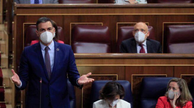 El presidente del Gobierno, Pedro Sánchez, durante su intervención en la sesión de control al Ejecutivo
