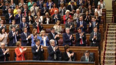 Feminismo, '155' y un bipartidismo arrasado: así era España la última vez que el PP lideraba las encuestas