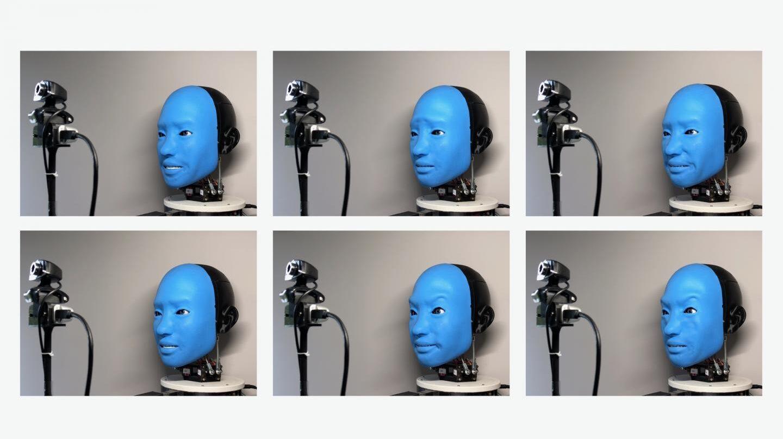 Eva es un robot con 42 músculos que le permite replicar las expresiones faciales humanas.