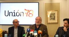 El exsocialista Jesús Cuadrado; el escritor y filósofo, Fernando Savater y el columnista David Mejía en la presentación de la plataforma Unión 78.