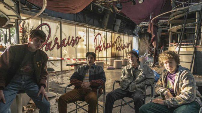 Las series que inauguran el verano: 'Paraíso', 'Élite: historias breves' o 'Todo va a ir bien'